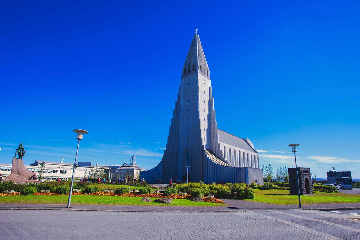 Hallgrimskirkja kerk in Reykjavik IJsland